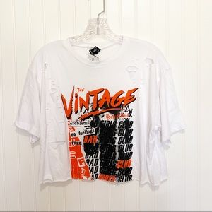 Tops - GRAPHIC Distressed Tee